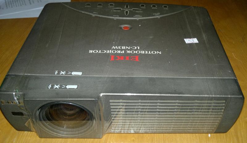 638 lc nb3w Thanh lý máy chiếu Eiki của Nhật Bản giá 4,2 triệu