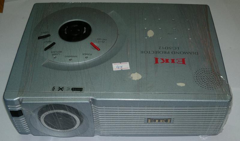 768 lc sd12 Máy chiếu Eiki của Nhật sáng rực rỡ giá chỉ 4,8 triệu